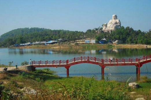 khu du lịch lâm viên núi cấm