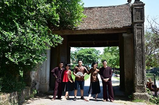 cổng làng cổ đương lâm